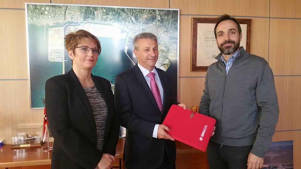 """Francisco Toledo se incorpora  a la mesa debate """"Ejecutivos de la empresa cerámica y el escenario internacional"""""""