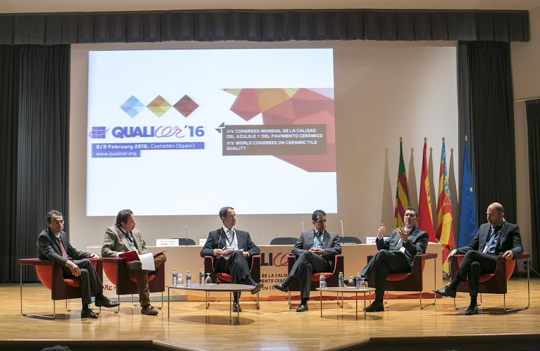 Machine and ceramic tile manufacturers hosted a panel debate on digital decoration